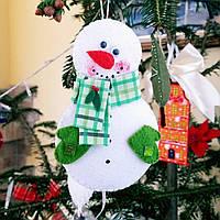 """Новогодние украшение """"Снеговик зеленый"""" ручной работы"""