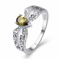 Серебряное кольцо, Паук, с камнем зеленый куб. цирконий, размер 17