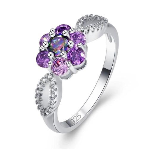 Серебряное кольцо, Цветок, с камнем куб. цирконий, размер 18