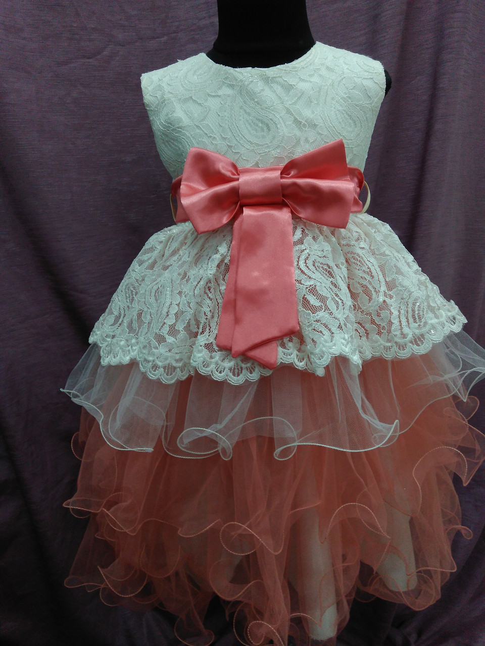 Платье детское нарядное молочное с персиковым на 4-6 лет