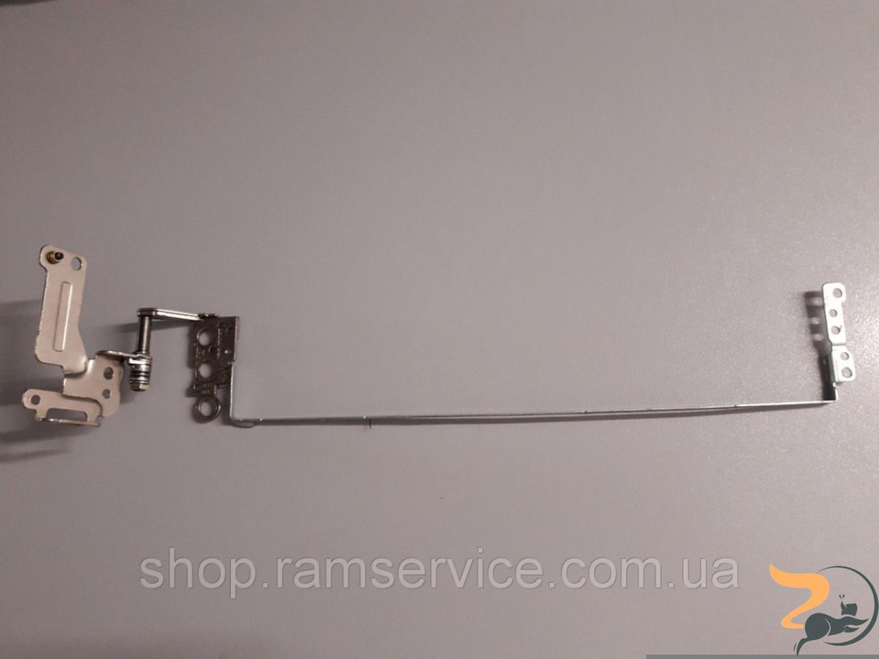 Права петля для ноутбука Toshiba Satellite C55, AM15H000900 в хорошому стані, без пошкоджень.