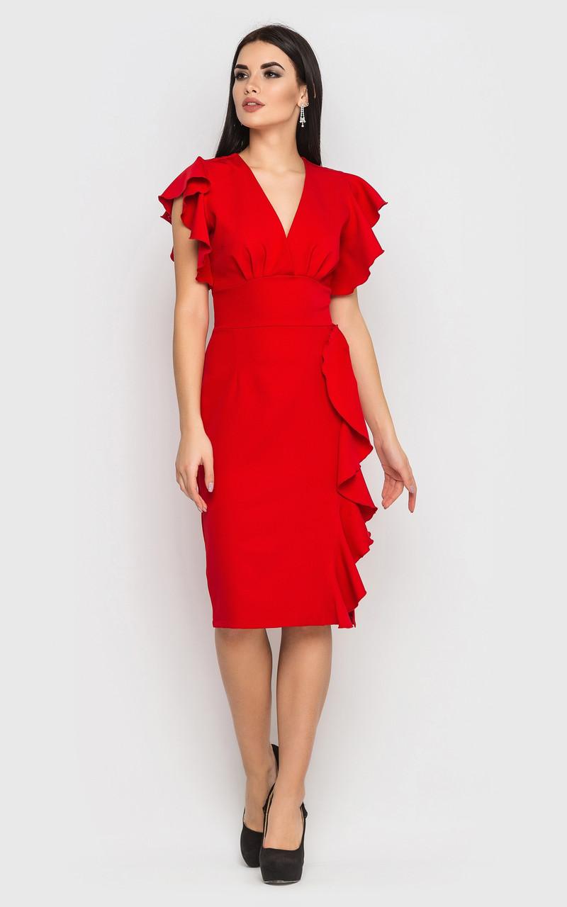 Красное коктейльное платье с воланами