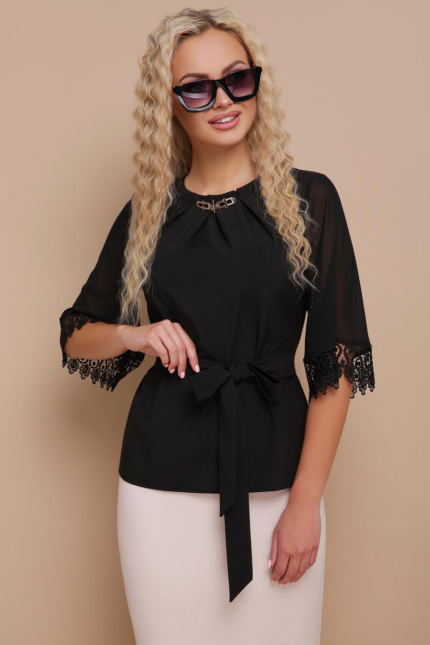 Блуза шифоновая с пояском и кружевом черная