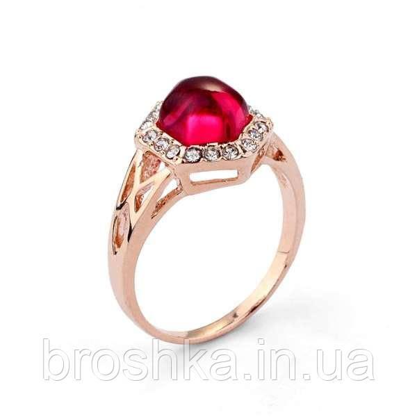 Позолоченное кольцо с розовым камнем Swarovski