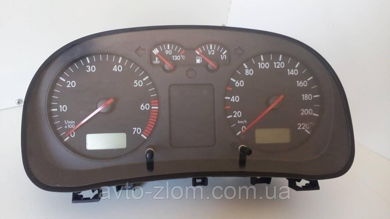 Щиток приборов Volkswagen Golf 4, Bora, Голф 4, Бора. 1,4 16V. 1J0920801, 0263618004.