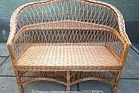 Плетеный диван из лозы простой
