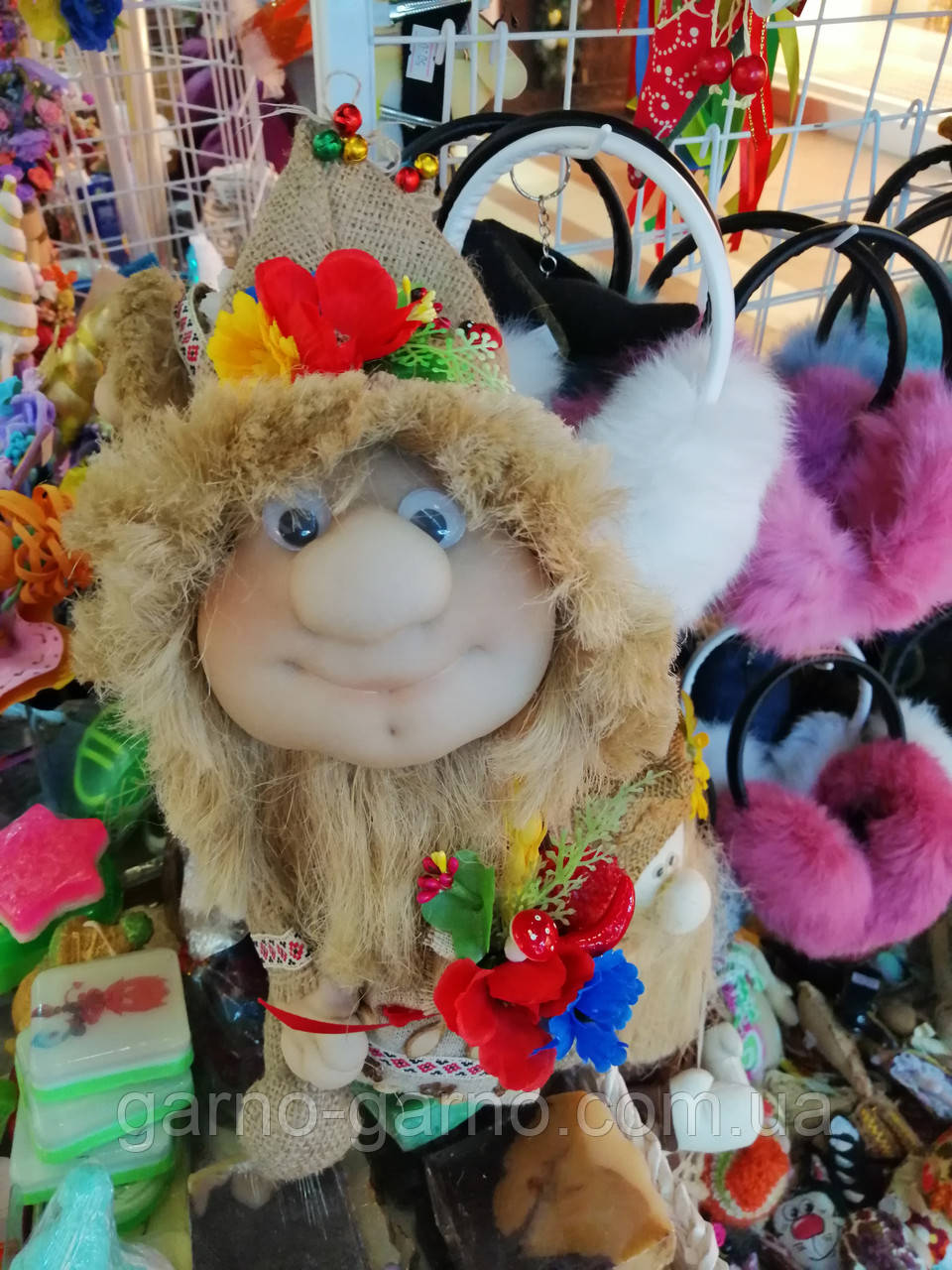 Кукла оберег Домовой с  ягодами и цветами декор