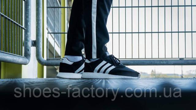 Adidas Iniki на ноге