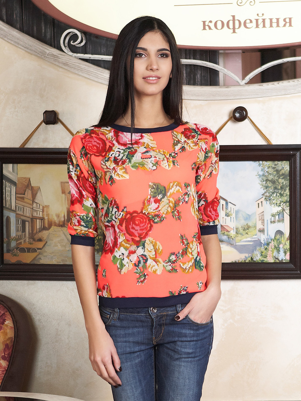 Блуза с розами 42-44р