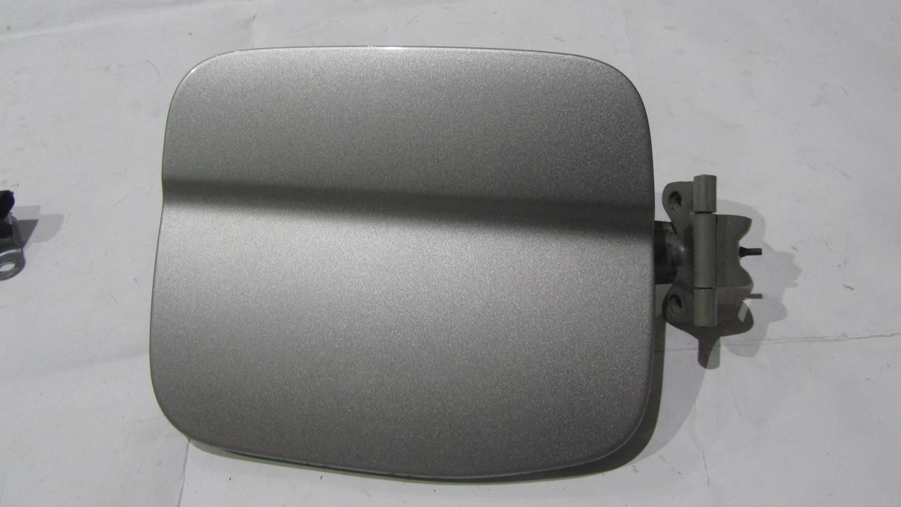 Лючок бензобака Subaru Forester S11 57601SA0009P