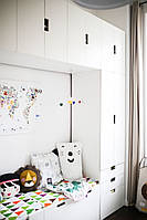 Детская комната белая с шкафами и комодами D-011