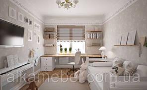 Детская комната белая с столом под окном