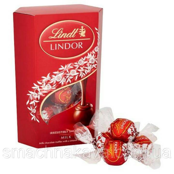 Молочный шоколад Lindt  Lindor