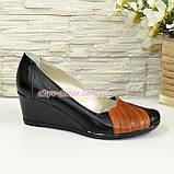 """Кожаные женские туфли с вставками из рыжей кожи на танкетке. ТМ """"Maestro"""", фото 2"""