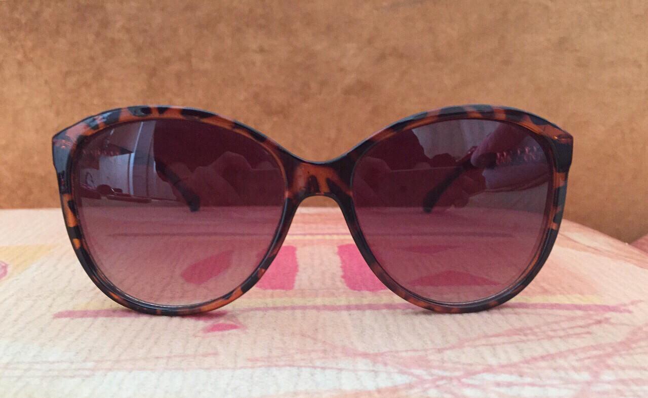 Солнцезащитные женские очки коричневые, с золотыми дужками, Oriflame, отличного качества, б/у, фото 1