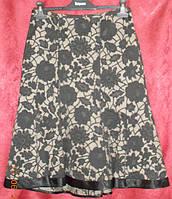 Шикарная юбка с клиньями  из плотной  ткани в цветы Solar