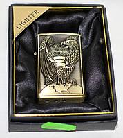 Зажигалка карманная газовая, золотистая с орлом, фото 1