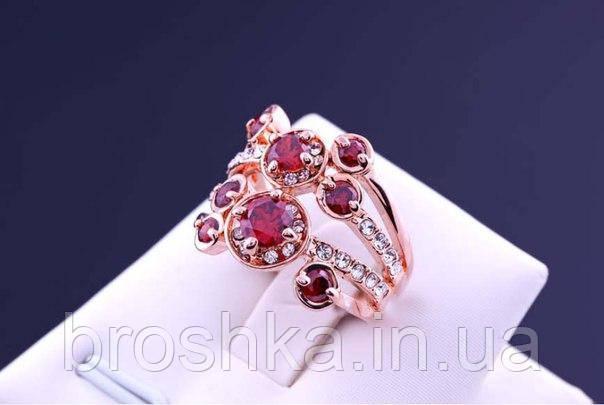 Позолоченное широкое кольцо бижутерия с бордовыми камнями Swarovski