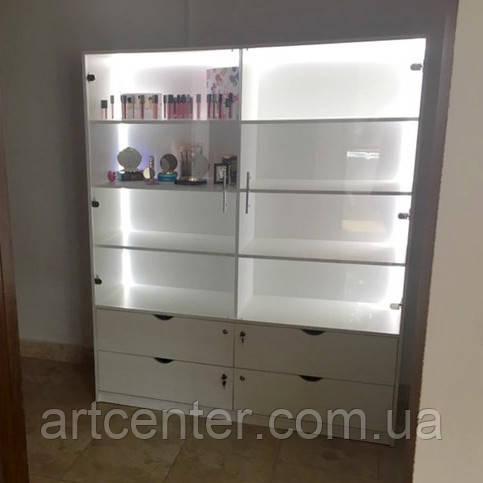 Витринный шкаф с подсветкой, витрина в салон красоты