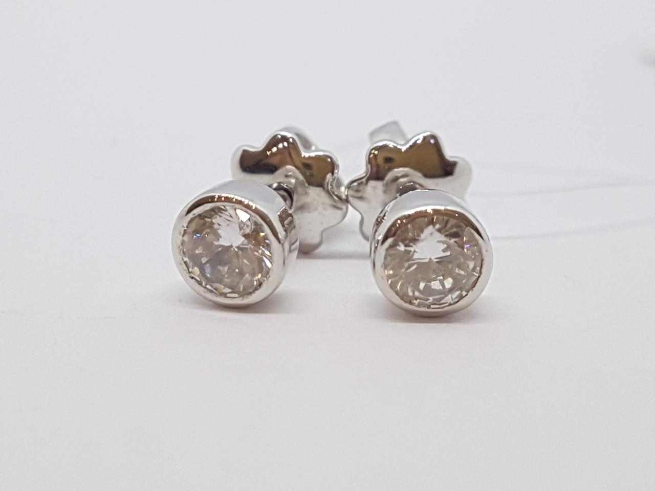 Серебряные пуссеты с фианитами. Артикул 902-00599