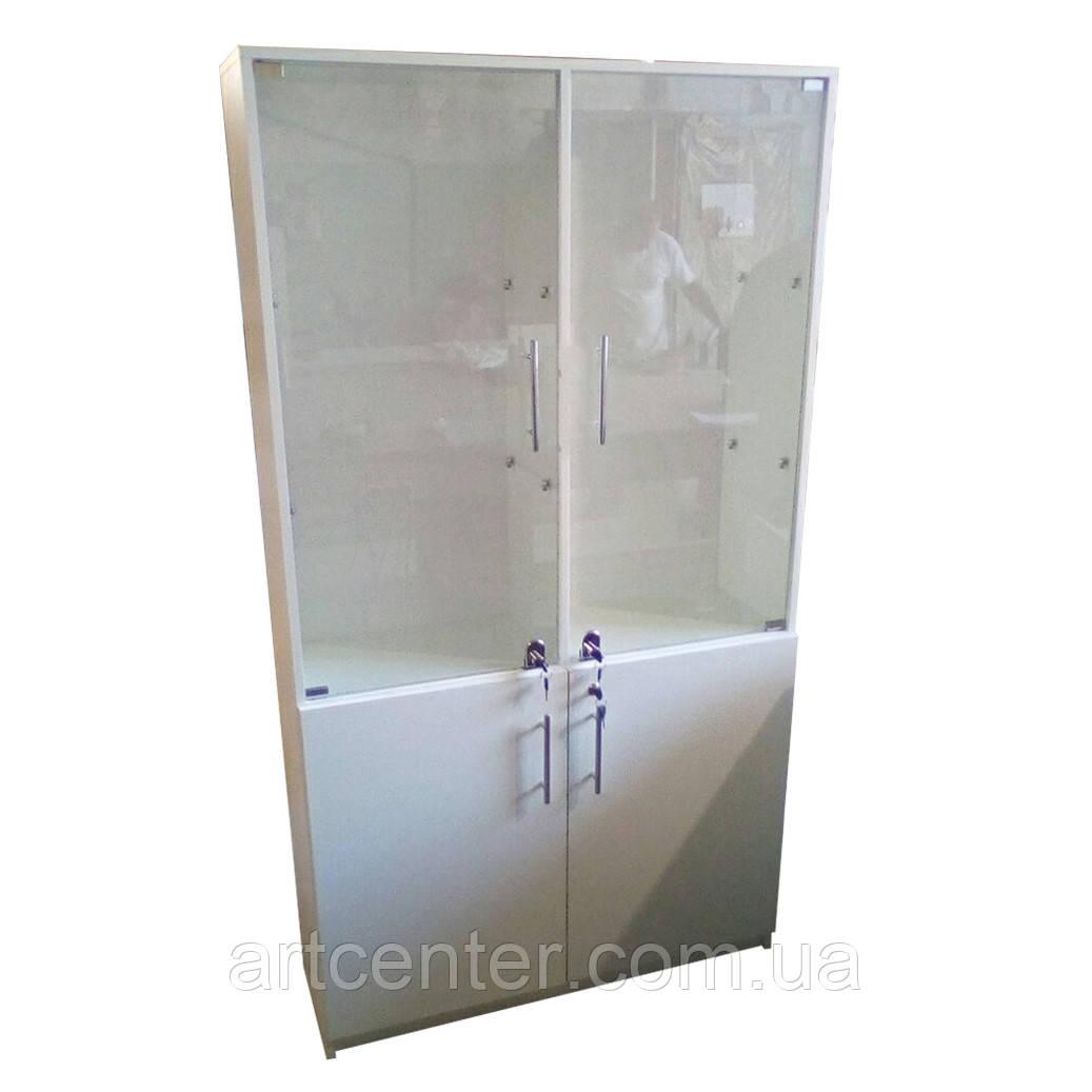 Шкаф витринный со стеклянными полочками, витринный шкаф
