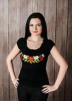 Жіноча вишиванка чорного кольору із глибоким декольте «Рюшка з квітами », фото 1