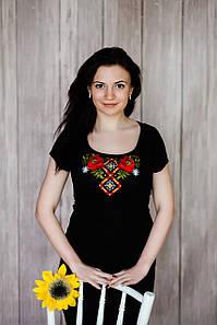 Летняя футболка с вышивкой на короткий рукав в черном цвете «Маковая геометрия»