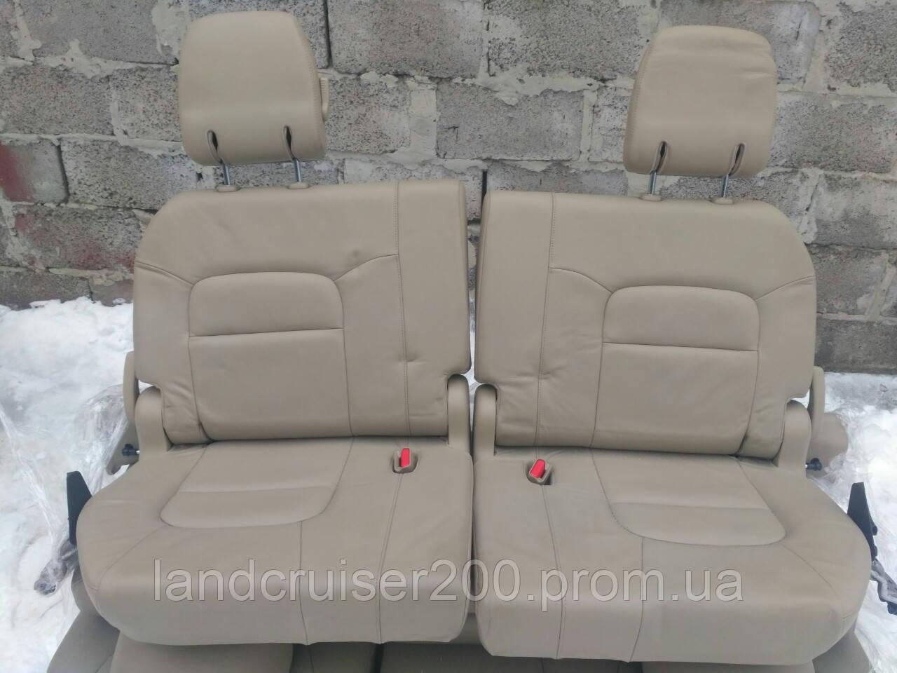 Заднее сиденье третий ряд Toyota Land Cruiser 200/Lexus LX570