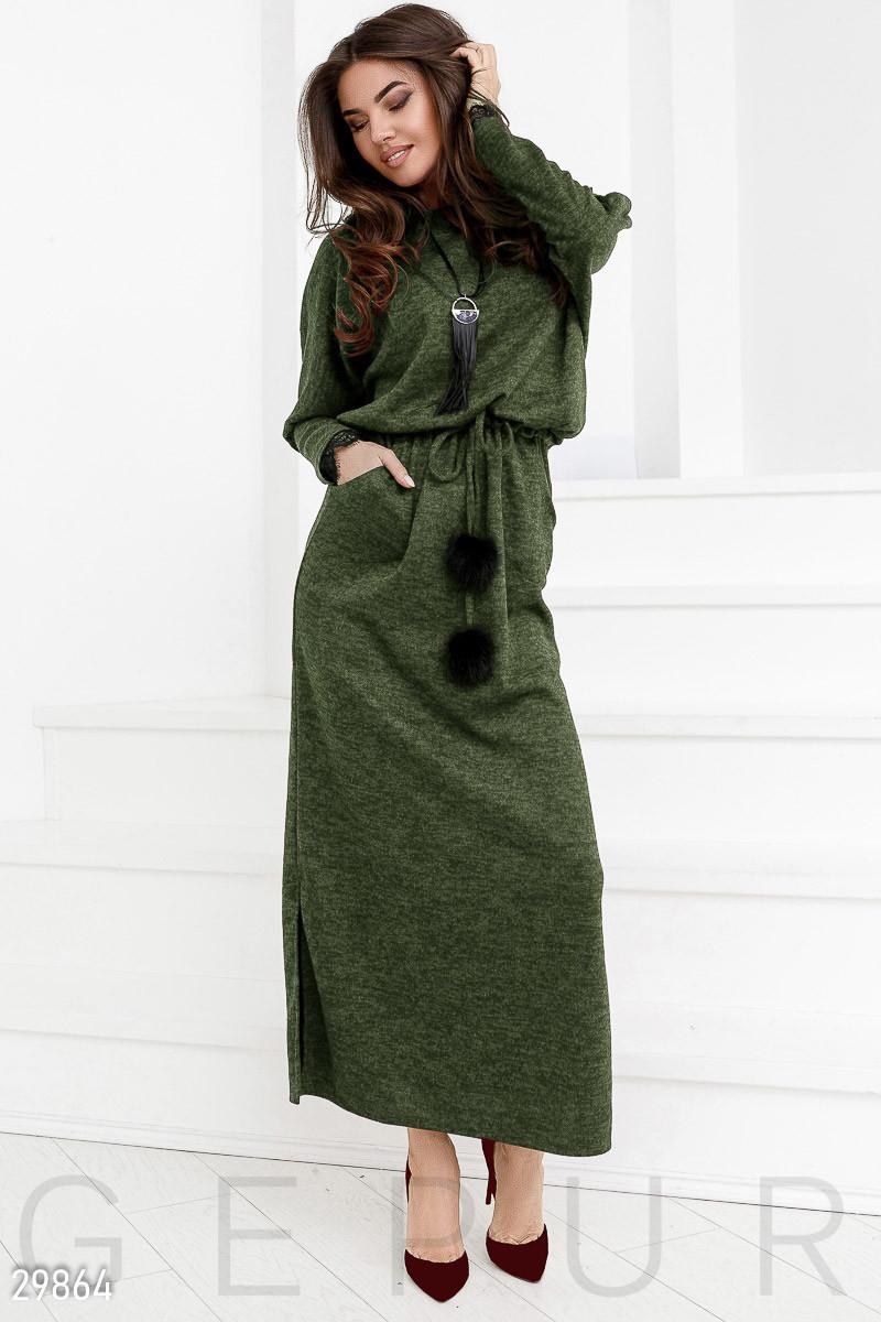 Теплое платье-реглан зеленого цвета