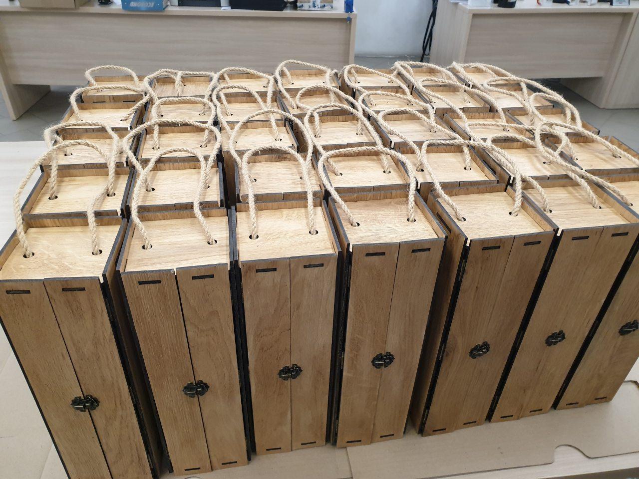 Подарочные деревянные упаковки под алкогольную продукцию