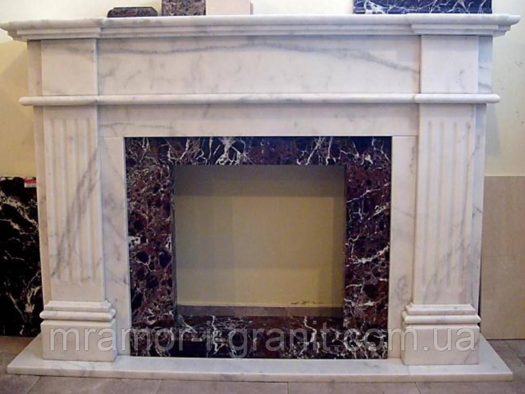 Камин из мрамора Bianco Carrara+Rosso Levanto