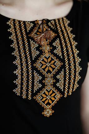 Женская черная вышитая футболка в украинском стиле «Гуцулка (коричневая вышивка)», фото 2