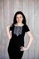 Жіноча чорна футболка-вишиванка на кожен день «Гуцулка (сіра вишивка)», фото 1