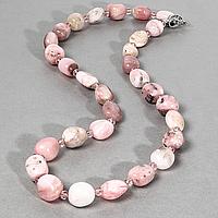 Опал розовый самородки полированные, бусы, 558БСО