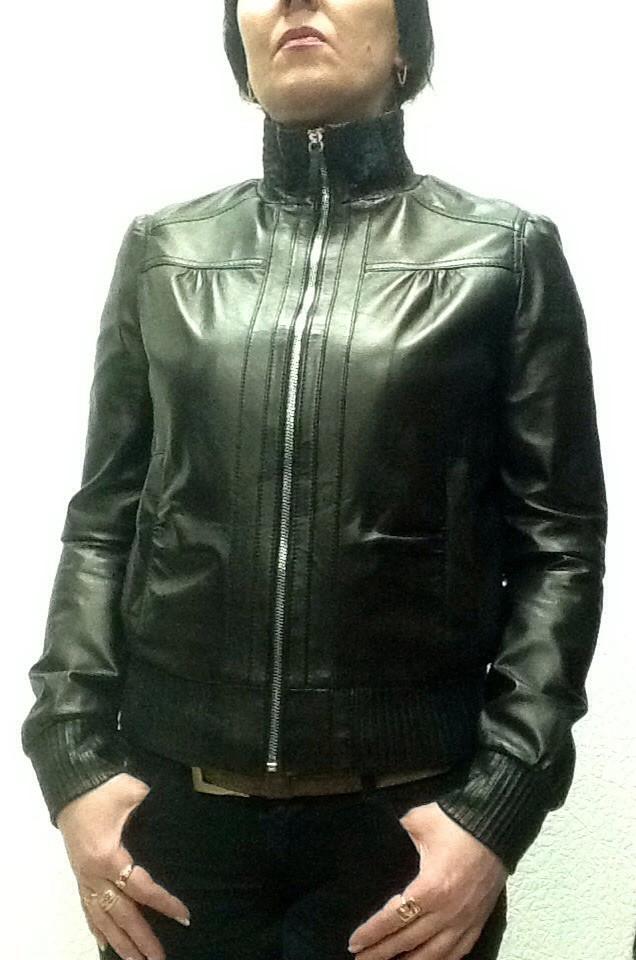 Куртка кожаная натуральная женская черная под резинку на молнии с воротником стойка