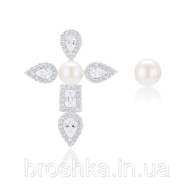 Асимметричные серьги крест с жемчугом ювелирная бижутерия