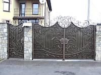 Ворота кованые с фамильным вензелем (MD-VKR-002)