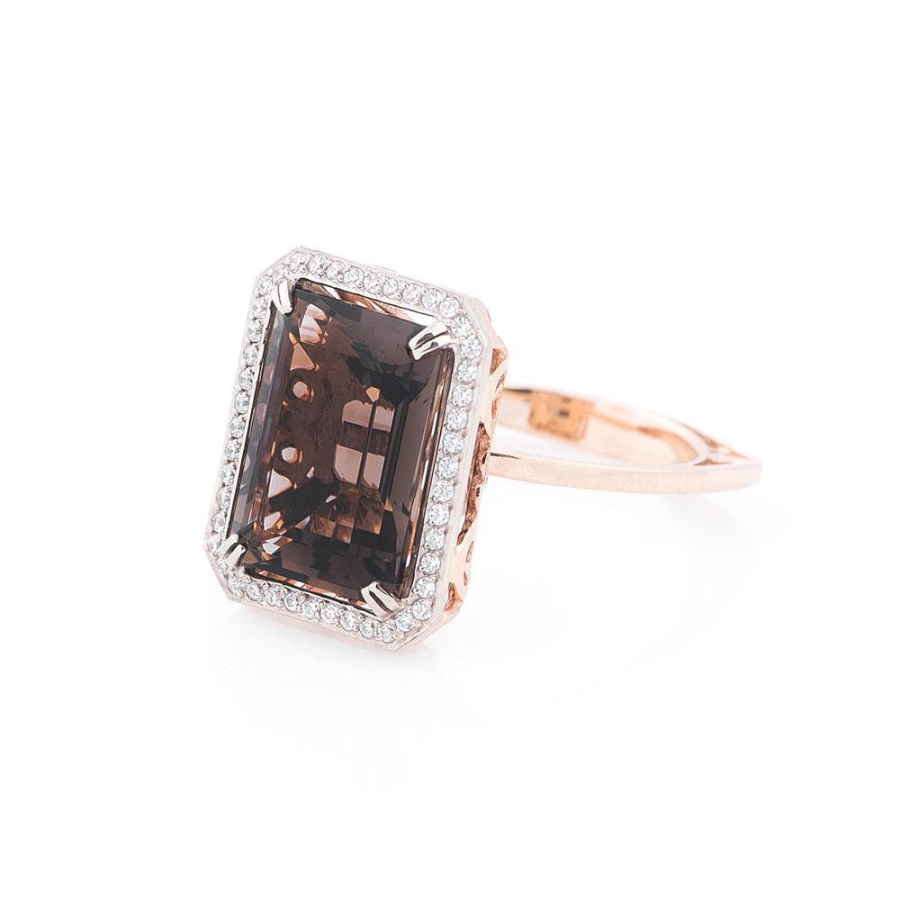 Золотое кольцо с раухтопазом и фианитами  продажа 4878218ed7d00