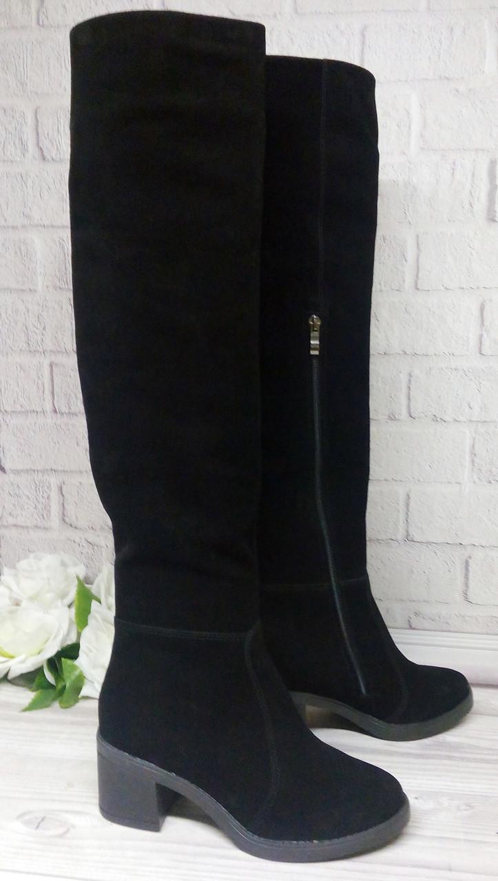 Замшевые черные ботфорты на толстом каблуке