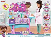 Игровой Набор Доктор Плюшева Уход за куклами (Doc McStuffins Baby All in One Nursery Toy)