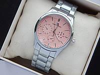Наручные часы Tommy Hilfiger серебристого цвета с розовым циферблатом