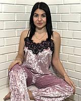 Розовая велюровая брючная пижама с кружевом