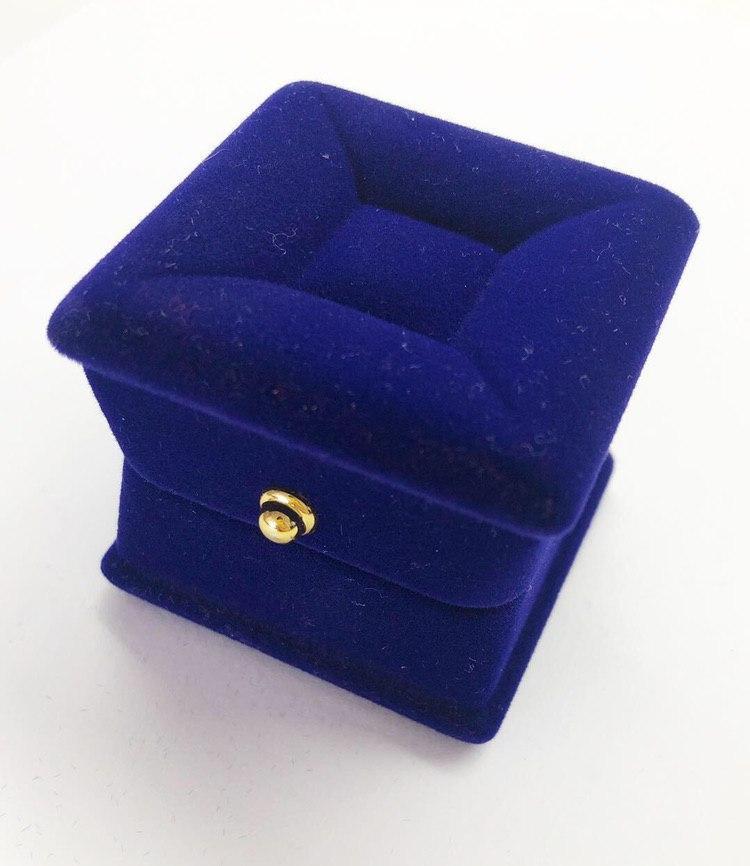 Упаковка из бархата для ювелирных украшений (колец)