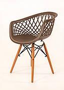 Крісло пластикове на дерев'яних ніжках Viko, сірий