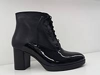 Классические женские ботинки из натуральной кожи на каблуке, цвет черный. Демисезон.
