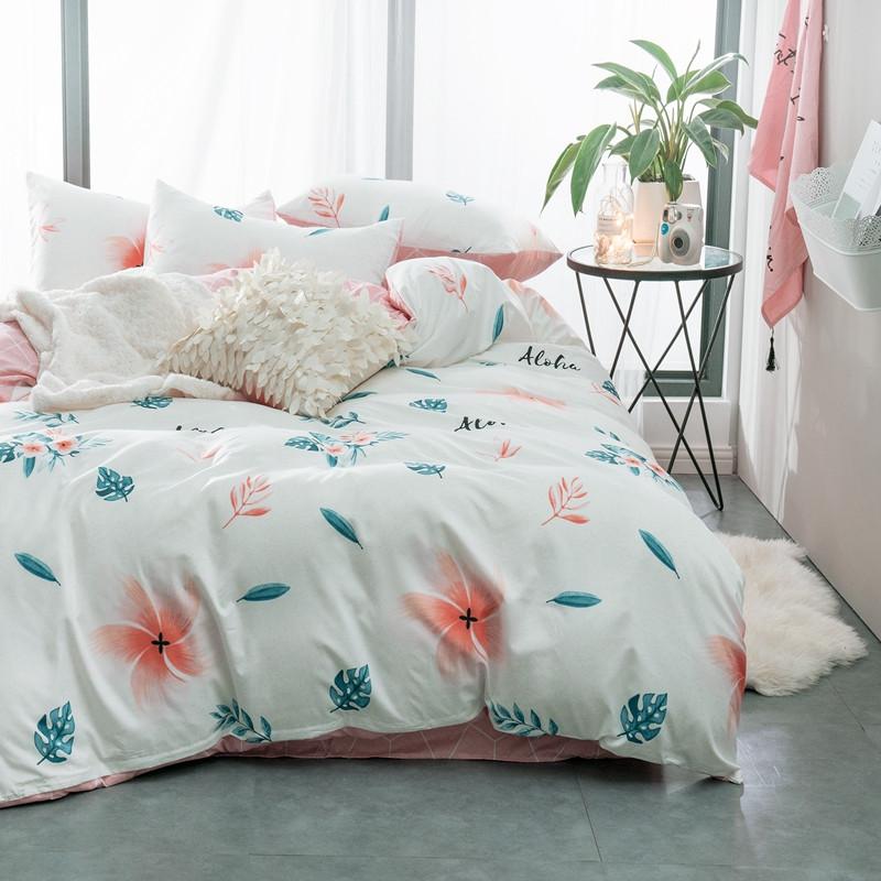Белый комплект постельного белья Тропический Цветок (двуспальный-евро)