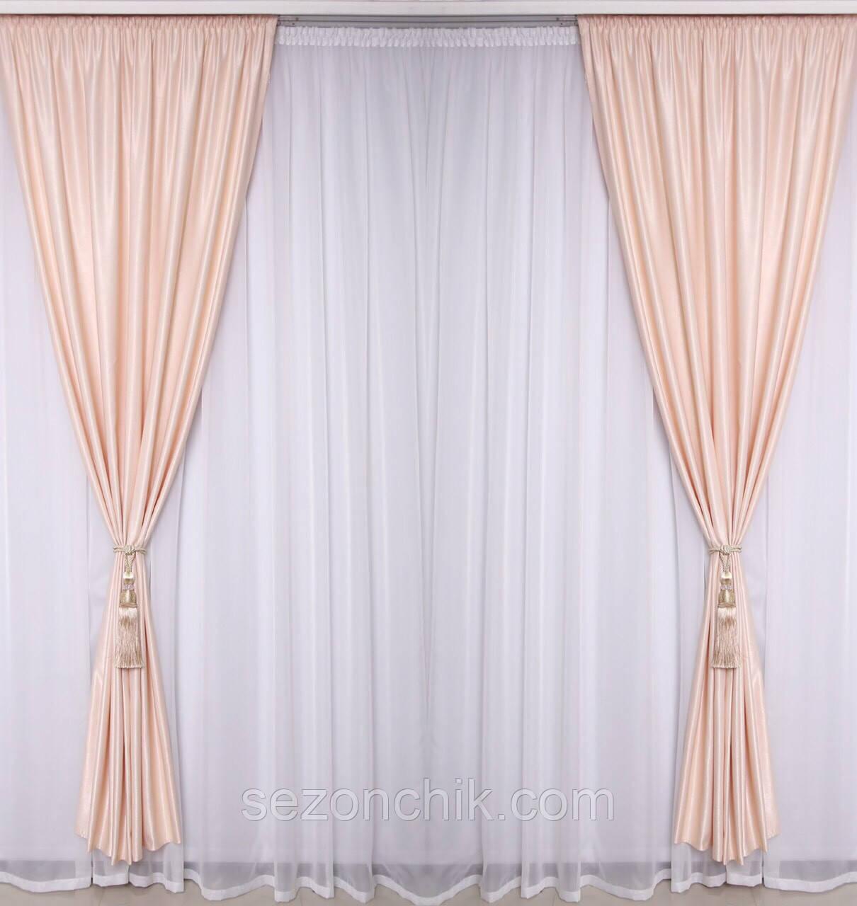 Комплект красивых штор для гостиной