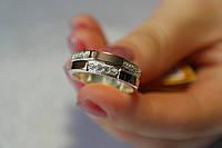 Серебряное кольцо с цирконами и золотыми пластинами