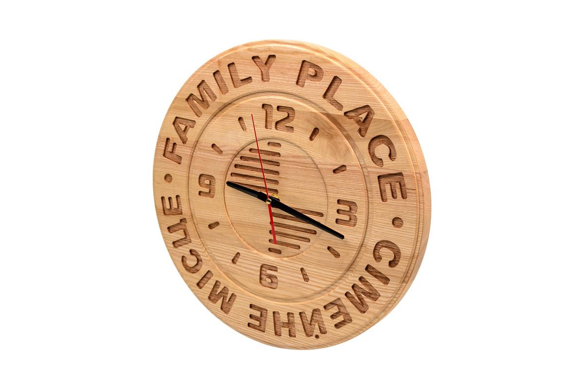 Часы из массива дерева под заказ