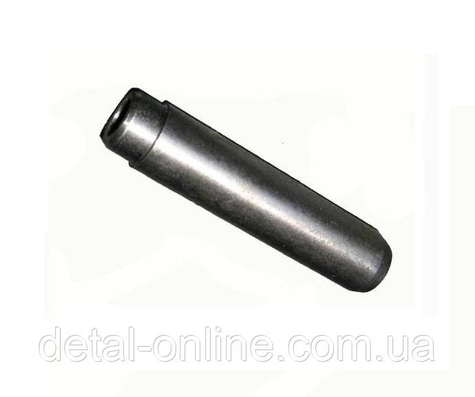 240-1007032Б втулка направляющая клапана